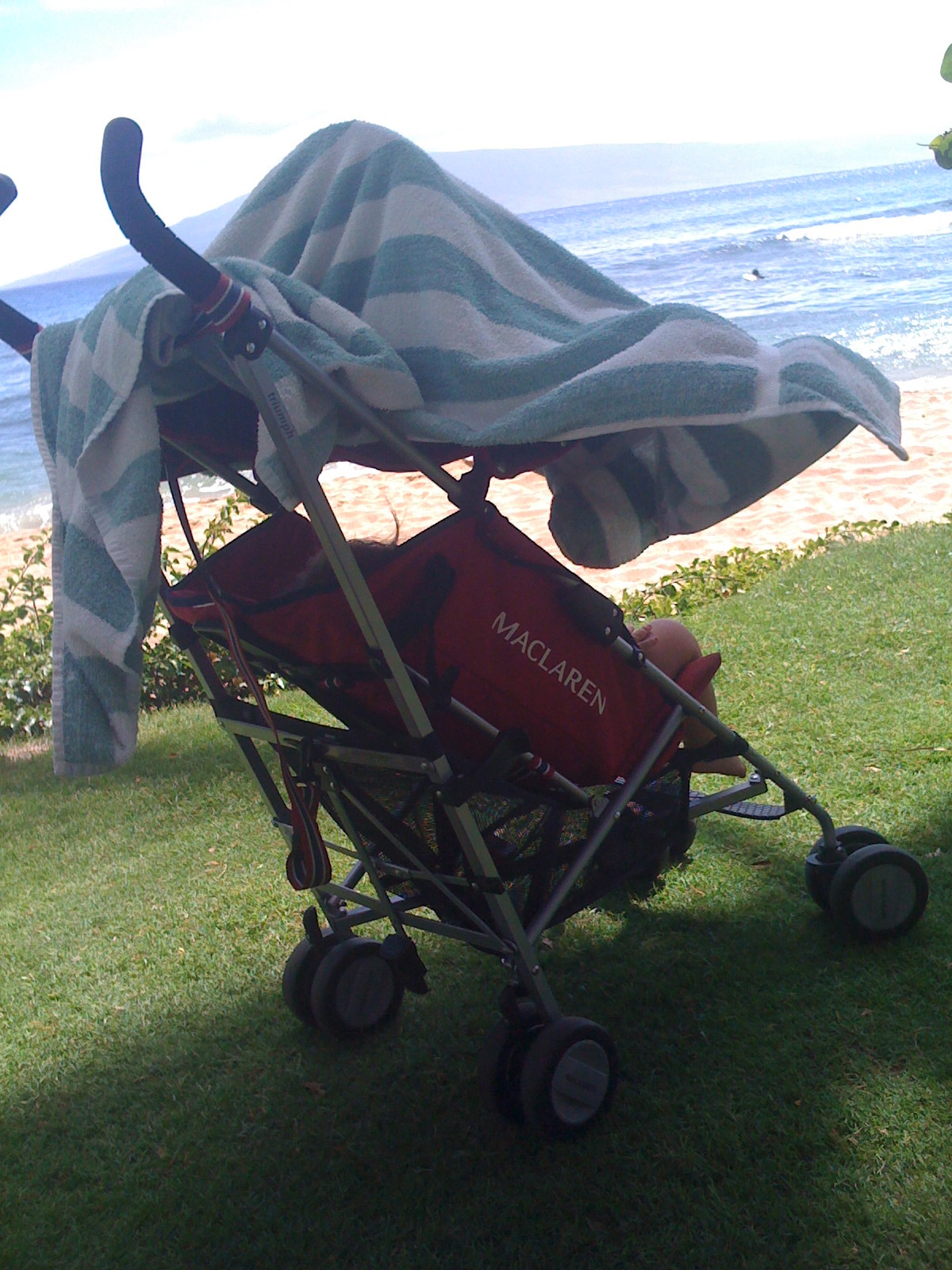 traveling with kids, hawaii with kids, sleeping in the stroller, travel, family travel, momma
