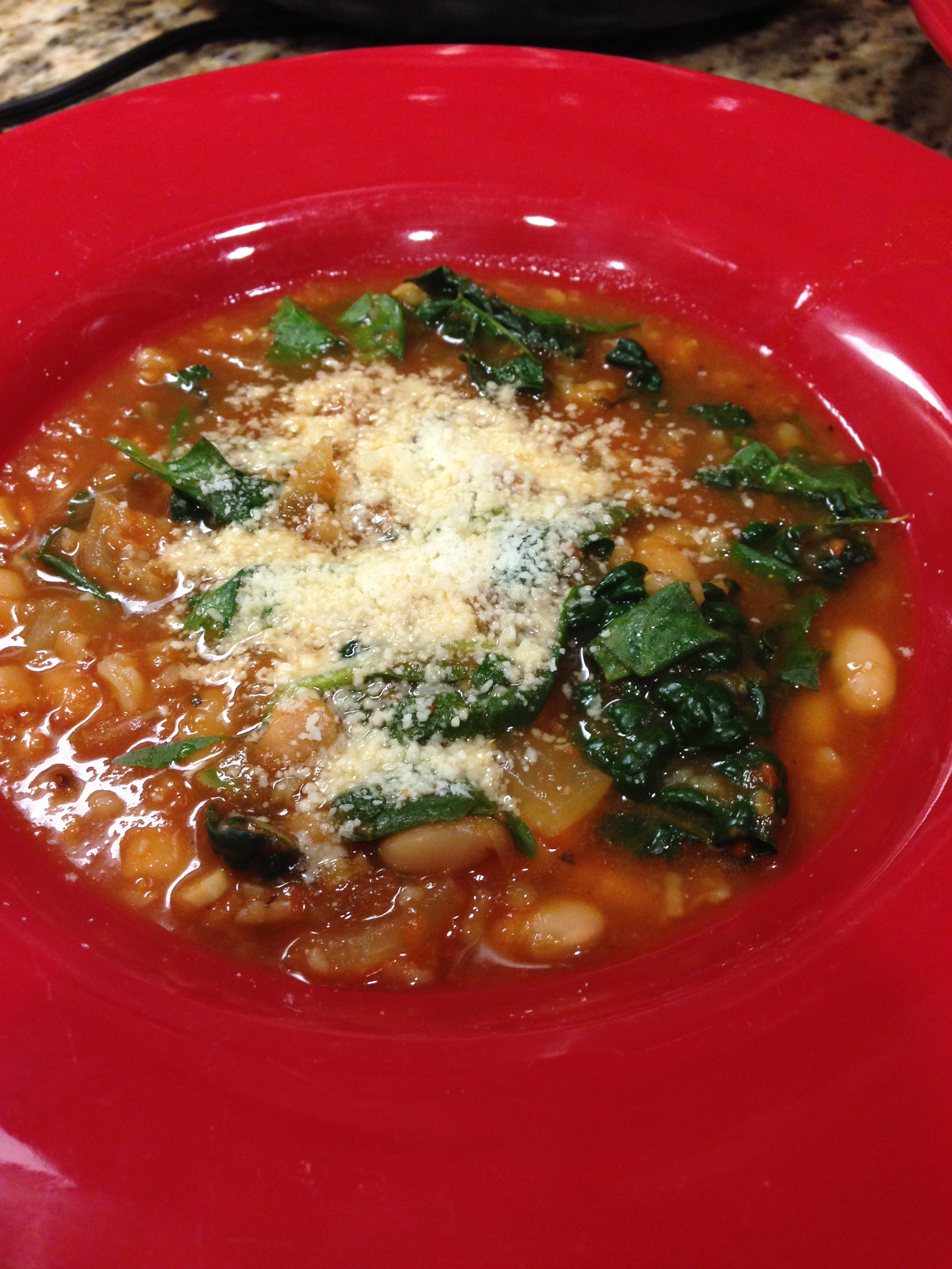 white bean and spinach soup, white bean and kale soup, eats, healthy meals, slow cooker soup